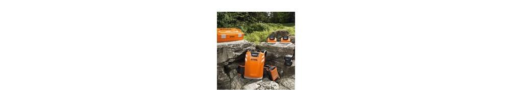 Batteries chargeurs et accessoires